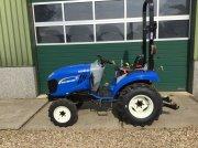 New Holland boomer 25 Traktor