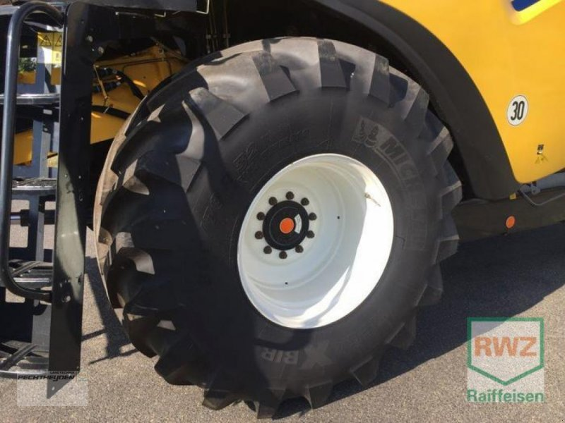 Traktor des Typs New Holland CX 7080 Elevation, Neumaschine in Wegberg (Bild 6)