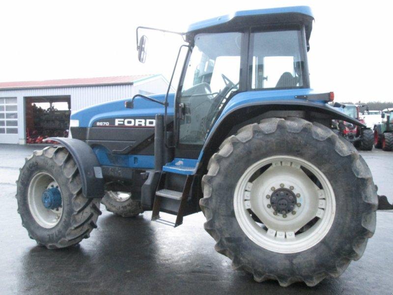 Traktor des Typs New Holland G170 / Ford 8670, Gebrauchtmaschine in Wülfershausen (Bild 3)