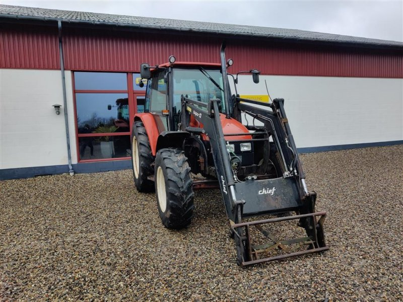 Traktor a típus New Holland L85 med Cheif Super 13 frontlæsser, Gebrauchtmaschine ekkor: Storvorde (Kép 1)