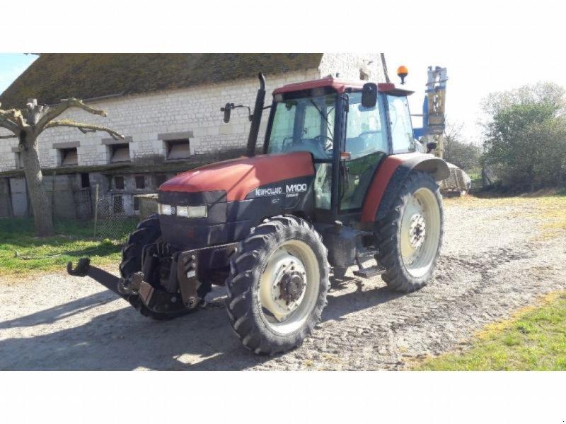 Traktor typu New Holland M100, Gebrauchtmaschine w SAINTE MAURE DE TOURAINE (Zdjęcie 1)