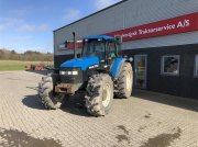 New Holland M135 Traktor