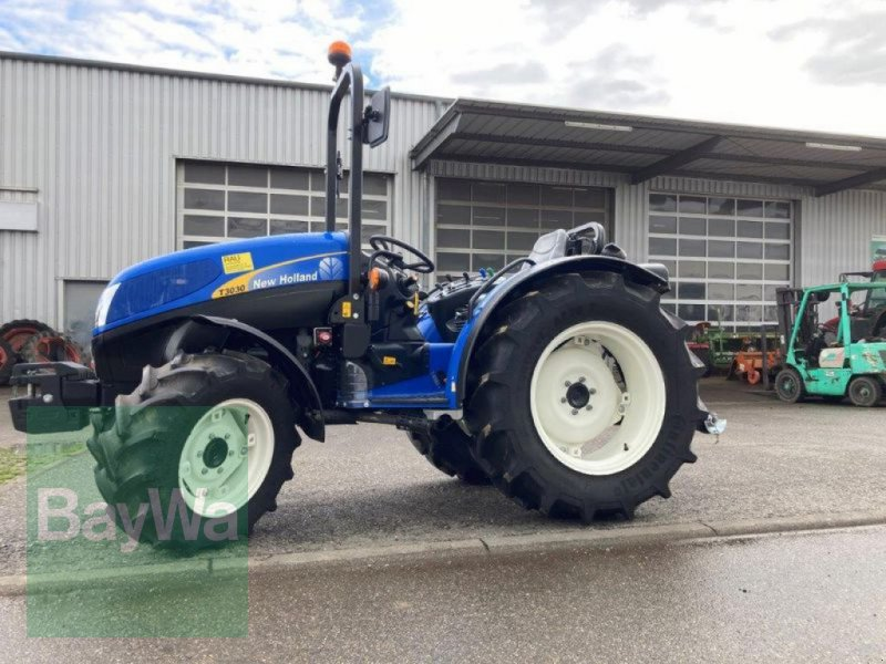 Traktor des Typs New Holland T 3030, Gebrauchtmaschine in Remseck (Bild 1)