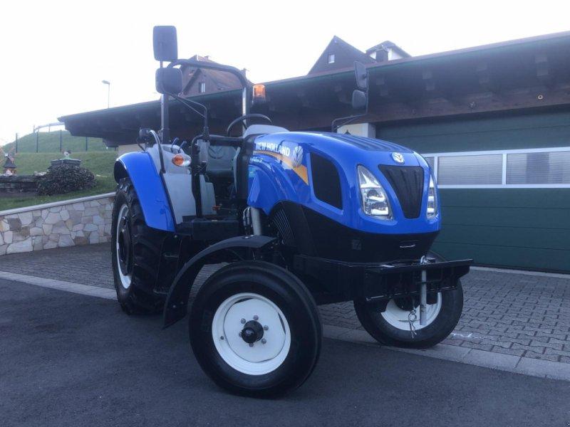 Traktor des Typs New Holland T 4.55 S - 30 km/h - Klappbügel - Servolenkung - Wendeschalung - wendiger Alleskönner mit Garantie, Gebrauchtmaschine in Niedernhausen (Bild 1)
