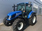 Traktor des Typs New Holland T 4.75 CAB in Freiburg