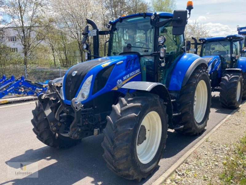 Traktor des Typs New Holland T 5.100 EC, Neumaschine in Neuhof - Dorfborn (Bild 1)