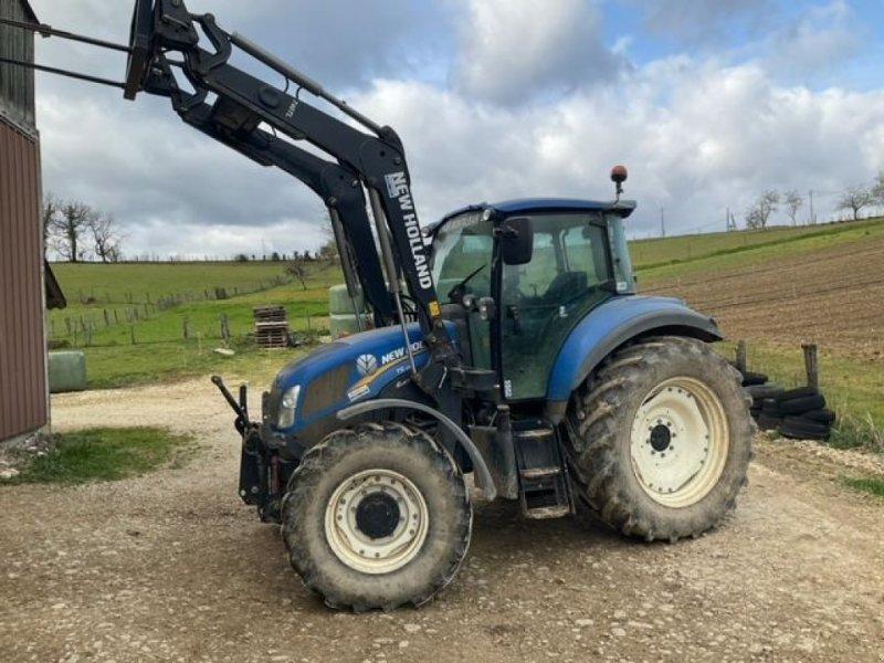 Traktor des Typs New Holland T 5.105 + CHARGEUR, Gebrauchtmaschine in Montauban (Bild 1)