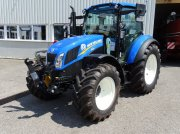 Traktor des Typs New Holland T 5.85, Neumaschine in Burgkirchen