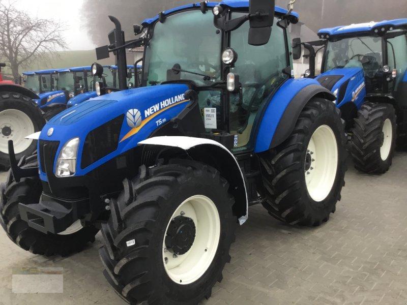 Traktor des Typs New Holland T 5.85, Neumaschine in Fürsteneck (Bild 1)