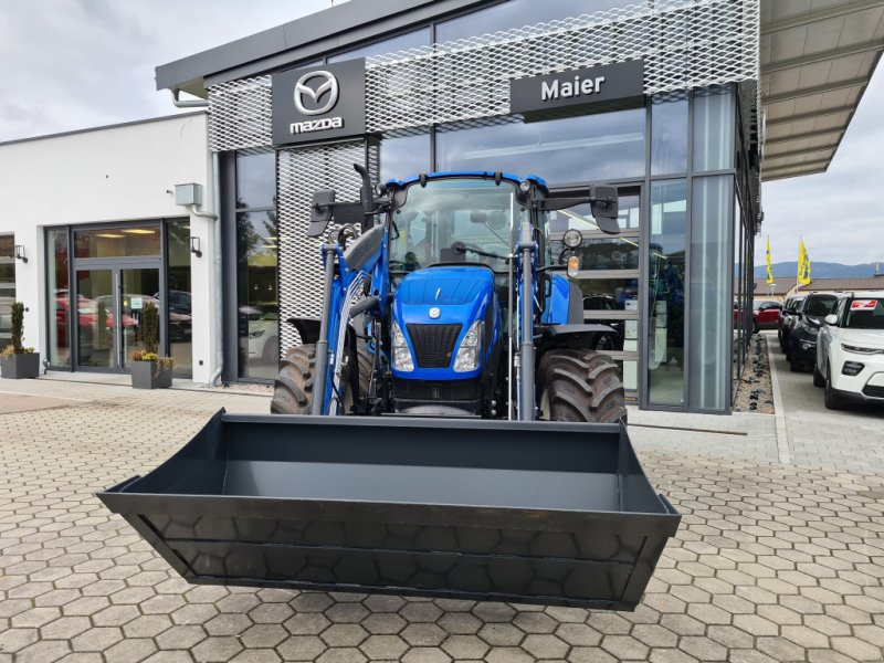 Traktor des Typs New Holland T 5.95, Neumaschine in Rötz (Bild 1)