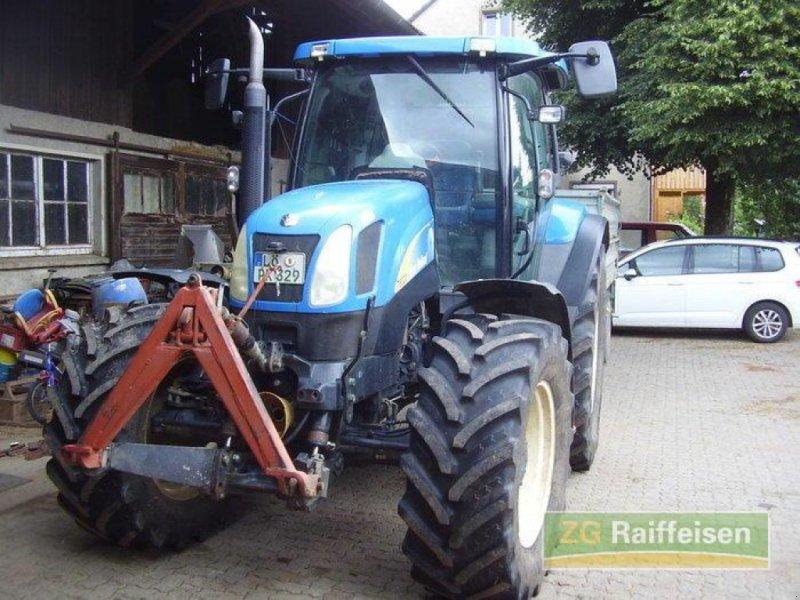 Traktor des Typs New Holland T 6020, Gebrauchtmaschine in Weil am Rhein-Haltingen (Bild 1)