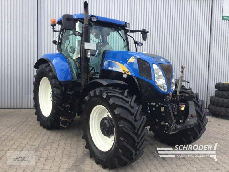 Traktor des Typs New Holland T 6090, Gebrauchtmaschine in Scharrel (Bild 1)