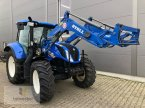 Traktor des Typs New Holland T 6.145 in Neuhof - Dorfborn