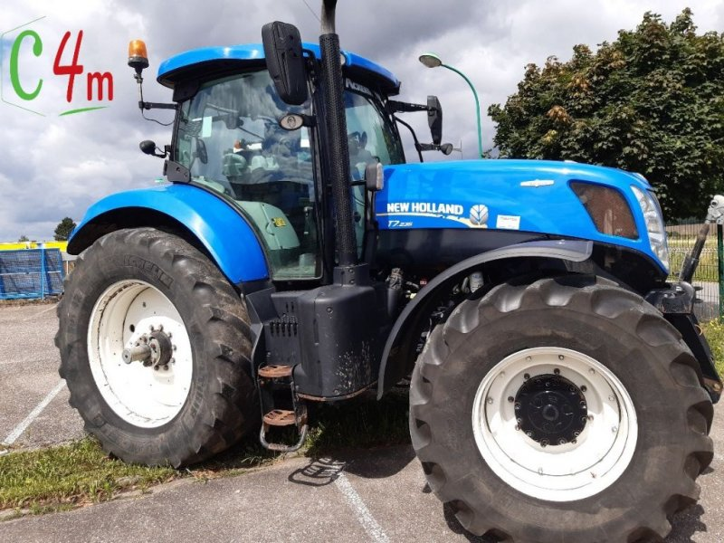 Traktor des Typs New Holland T 7 235 AUTO COMMAND, Gebrauchtmaschine in MONTOY-FLANVILLE (Bild 1)