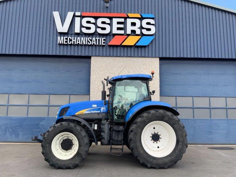 Traktor tip New Holland T 7030 PC, Gebrauchtmaschine in Bladel (Poză 1)