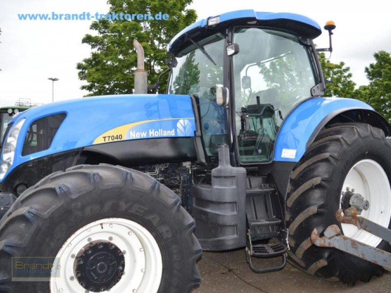 Traktor des Typs New Holland T 7040, Gebrauchtmaschine in Bremen (Bild 1)