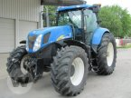 Traktor des Typs New Holland T 7040 in Dedelow