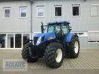 Traktor des Typs New Holland T 7060 in Salching bei Straubing