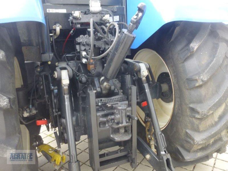 Traktor des Typs New Holland T 7060, Gebrauchtmaschine in Salching bei Straubing (Bild 8)