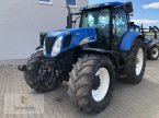 Traktor des Typs New Holland T 7070 AC in Neuhof - Dorfborn