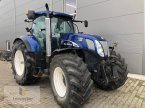 Traktor des Typs New Holland T 7070 AC in Neuhof - Dorfborn