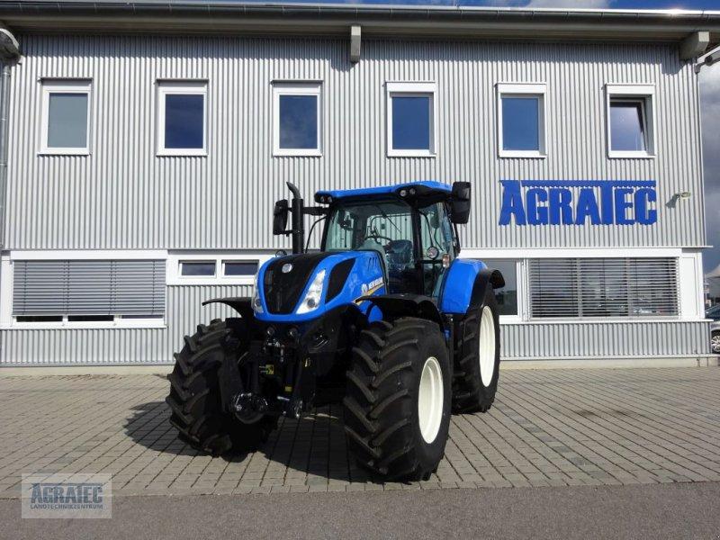 Traktor des Typs New Holland T 7.215 S, Neumaschine in Salching bei Straubing (Bild 1)