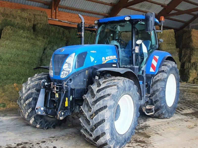Traktor типа New Holland T 7.220, Gebrauchtmaschine в Bad Grönenbach (Фотография 1)