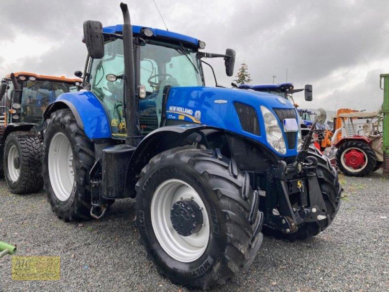 Traktor des Typs New Holland T 7.235, Gebrauchtmaschine in Groß-Gerau (Bild 1)