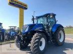 Traktor des Typs New Holland T 7.245 PC in Neuhof - Dorfborn