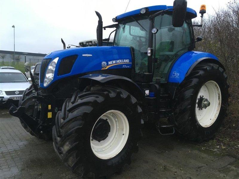 Traktor des Typs New Holland T 7.270 Autocommand + Frontlift, Gebrauchtmaschine in Horsens (Bild 1)