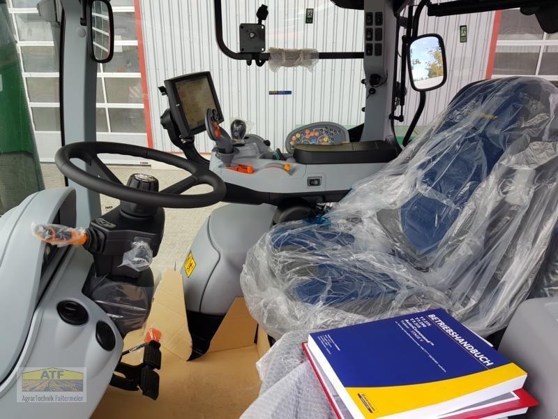 Traktor des Typs New Holland T 7.315 AC Blue Power, Neumaschine in Teublitz (Bild 11)