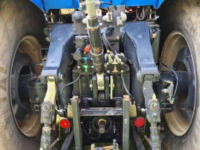 Traktor des Typs New Holland T 8040, Gebrauchtmaschine in Kruckow (Bild 9)