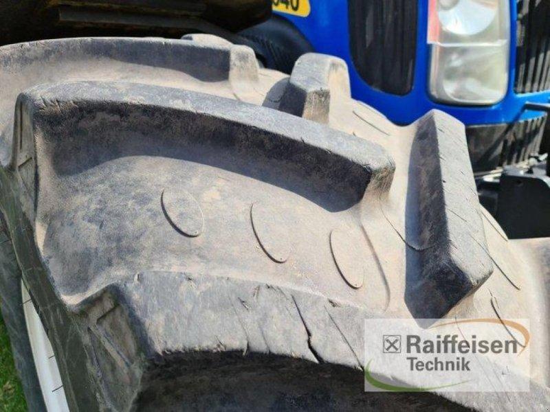Traktor des Typs New Holland T 8040, Gebrauchtmaschine in Kruckow (Bild 3)