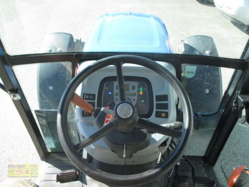 Traktor des Typs New Holland T4020 DeLuxe & Supersteer, Gebrauchtmaschine in Eferding (Bild 9)