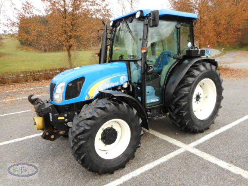 Traktor des Typs New Holland T4030 DeLuxe, Gebrauchtmaschine in Münzkirchen (Bild 1)