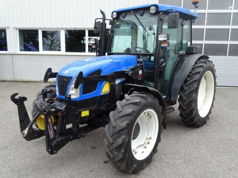 Traktor des Typs New Holland T4040 DeLuxe, Gebrauchtmaschine in Burgkirchen (Bild 1)