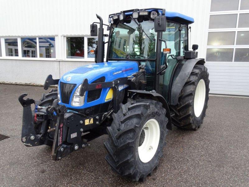 Traktor des Typs New Holland T4050 DeLuxe, Gebrauchtmaschine in Burgkirchen (Bild 1)