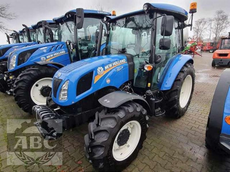Traktor типа New Holland T4.55 S CAB 4WD MY 1, Neumaschine в Aurich-Sandhorst (Фотография 1)