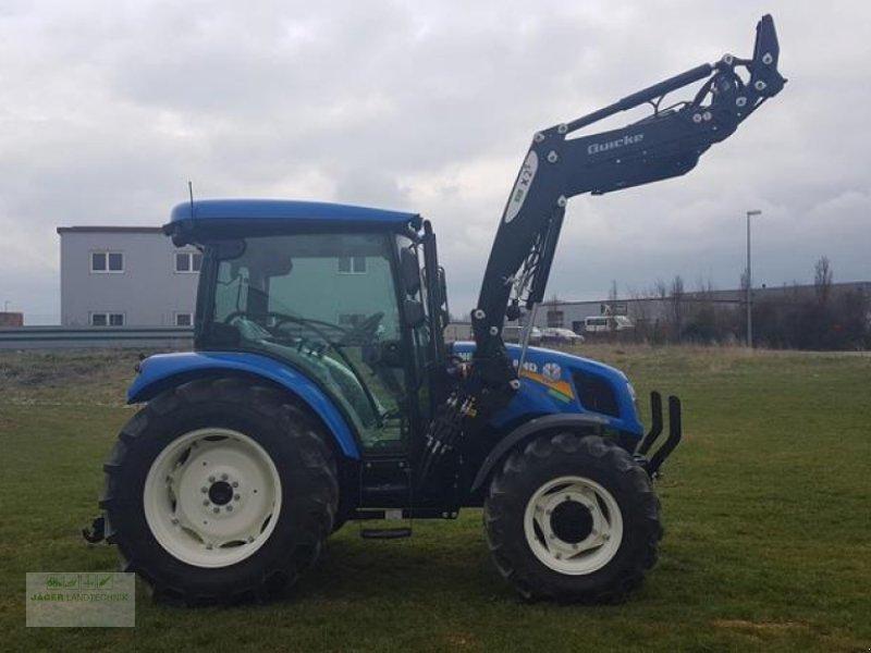 Traktor des Typs New Holland T4.55 S mit Frontlader / AKTIONSPREIS, Neumaschine in Gerstetten (Bild 1)