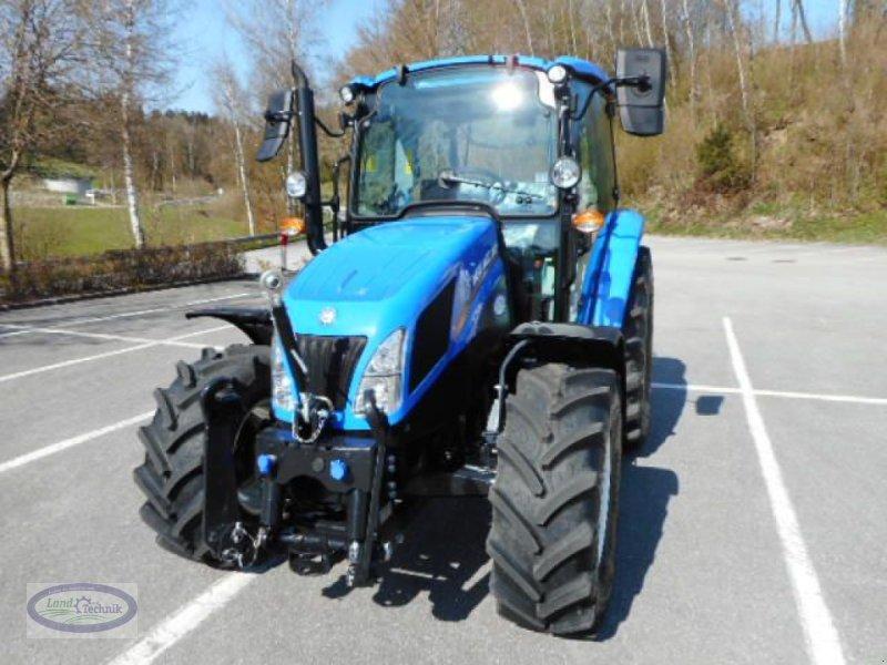 Traktor des Typs New Holland T4.65 Tier 4B, Neumaschine in Münzkirchen (Bild 2)