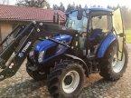 Traktor des Typs New Holland T4.75 in Röthenbach