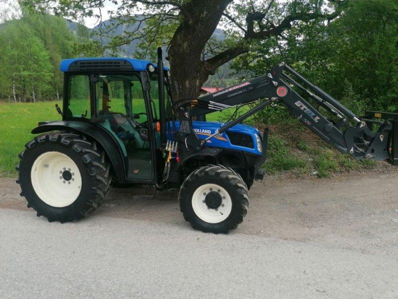 Traktor des Typs New Holland T4.75LP, Gebrauchtmaschine in Burgkirchen (Bild 1)