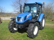 Traktor tipa New Holland T4.75S, Neumaschine u Niederkirchen