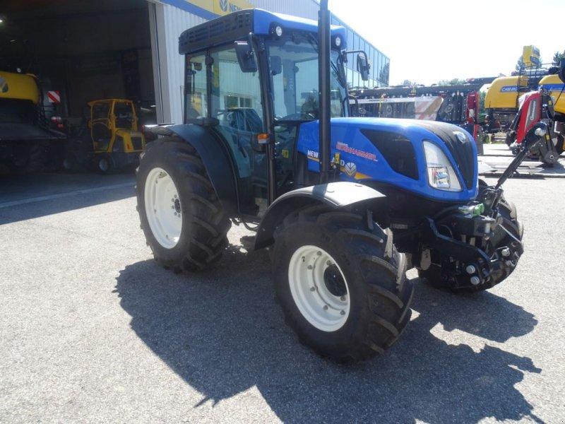 Traktor des Typs New Holland T4.90 Low Profile, Neumaschine in Burgkirchen (Bild 2)