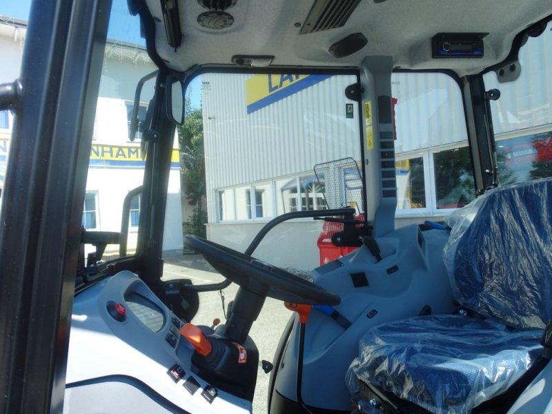 Traktor des Typs New Holland T4.90 Low Profile, Neumaschine in Burgkirchen (Bild 7)