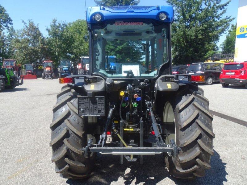 Traktor des Typs New Holland T4.90 Low Profile, Neumaschine in Burgkirchen (Bild 6)