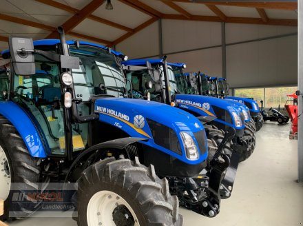 Traktor des Typs New Holland T5. Ausstellungsmaschinen, Neumaschine in Lichtenfels (Bild 1)