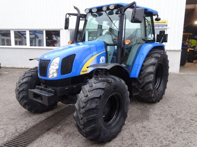 Traktor des Typs New Holland T5040, Gebrauchtmaschine in Burgkirchen (Bild 1)