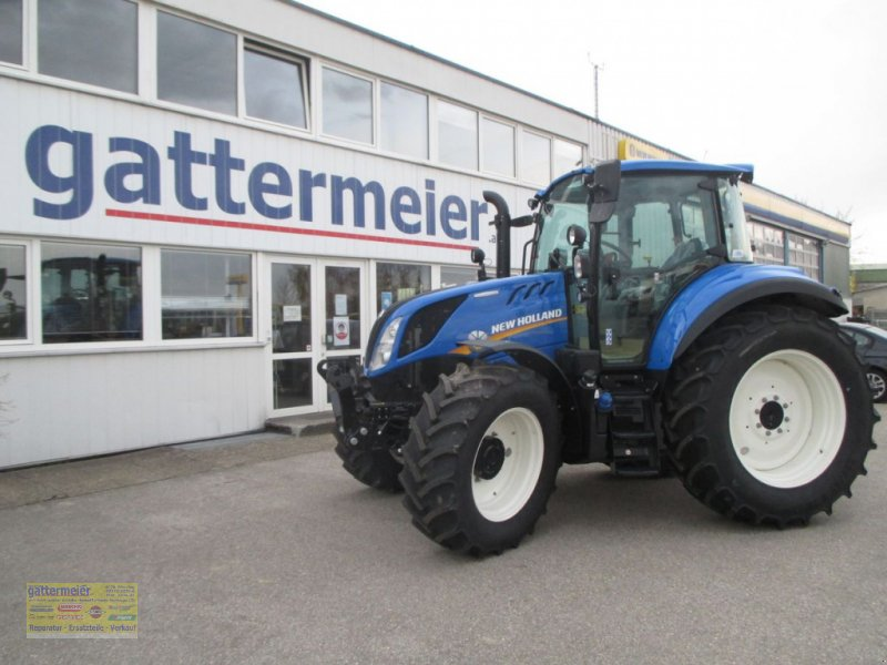 Traktor of the type New Holland T5.100 Electro Command, Gebrauchtmaschine in Eferding (Picture 1)