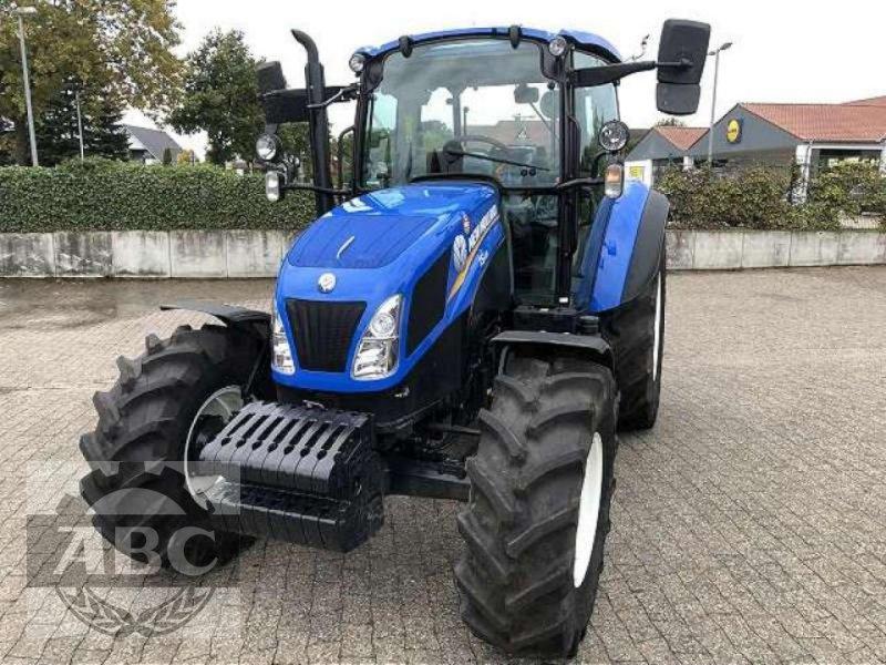 Traktor des Typs New Holland T5.105 DC KABINE SUP, Neumaschine in Bösel (Bild 2)